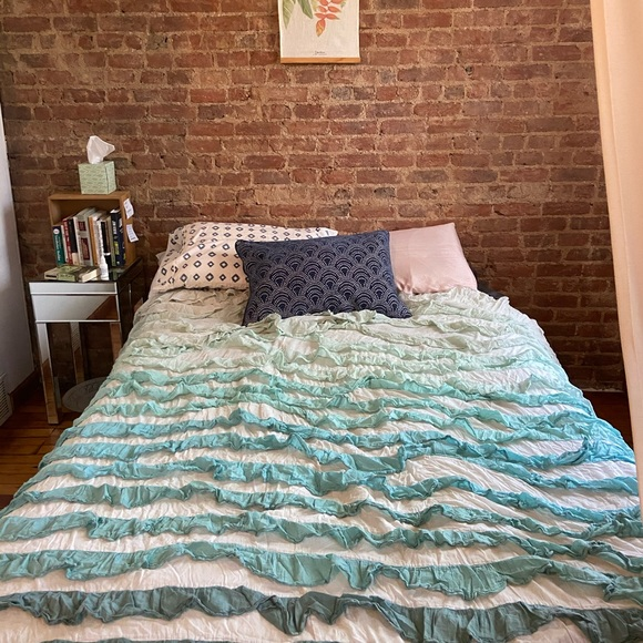 Urban Outfitters Other - Tonal Waterfall Duvet Cover